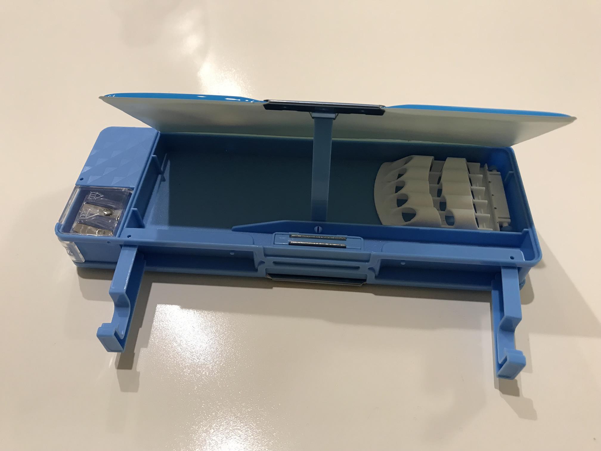 100円ショップの筆箱7